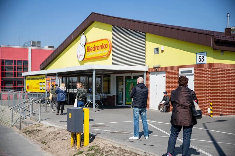 Sklepy BiedronkaOd soboty 10 października 2020 ponad 40 Biedronek w całej Polsce działa całodobowo, a ok. 650 – do godz. 23.30. Od 10.10 całodobowo będą