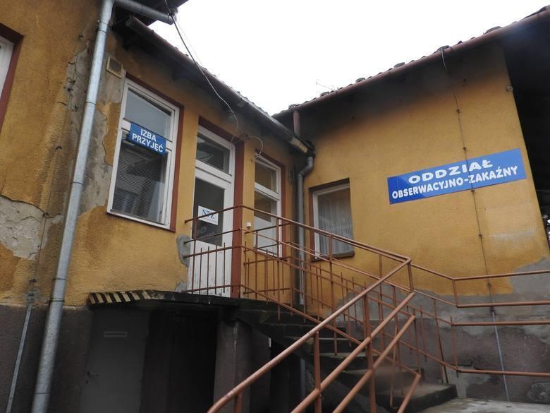 Szpital im. Jana Pawła II w Wadowicach. Oddział zakaźny został tu zamknięty blisko dwa lata temu. Ten budynek nie nadawał się już do użytku.