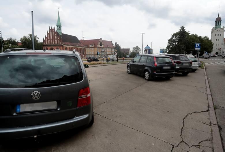 Strefa Płatnego Parkowania w Szczecinie. Kierowcy zapomnieli, że w SPP już trzeba płacić. Posypały się pisemne upomnienia