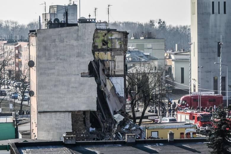 To bez wątpienia największa tragedia ostatnich lat w Poznaniu. Do wybuchu gazu w kamienicy na Dębcu doszło w niedzielę rano, 4 marca 2018 roku. Początkowo