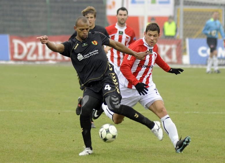 <br /> Hernani Jose da Rosa (z lewej) przez sześć i pół roku reprezentował barwy Korony Kielce, z którą grał w ekstraklasie i pierwszej lidze. Piłkarz chciałby ponownie zagrać w kieleckim zespole