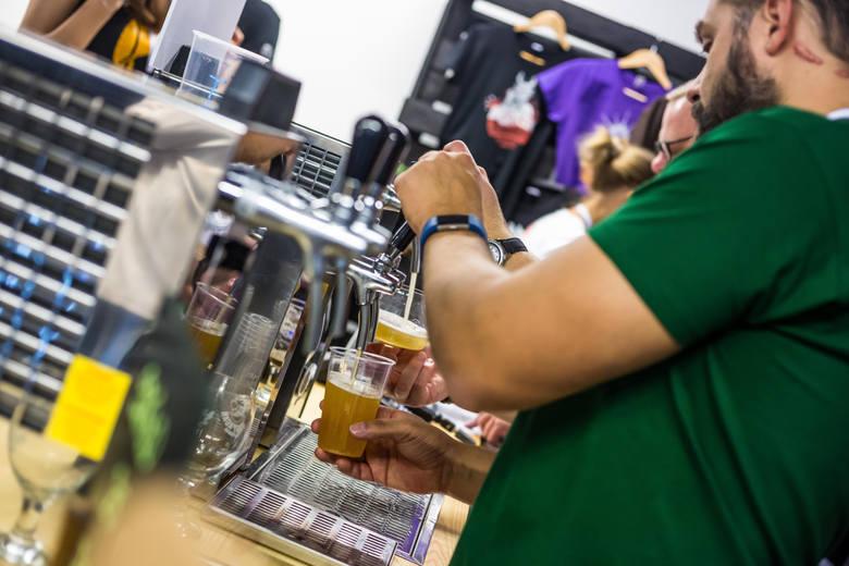 Okazuje się, że susza i fale upałów mogą spowodować znaczący wzrost ceny piwa.