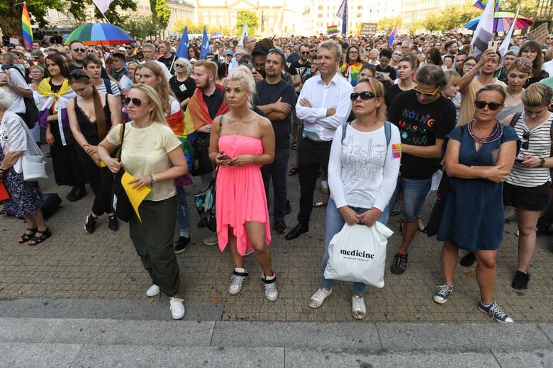 Przypomnijmy, że 20 lipca odbywał się w tym mieście pierwszy Marsz Równości. Manifestanci zostali brutalnie zaatakowani przez chuliganów. Rzucali w nich