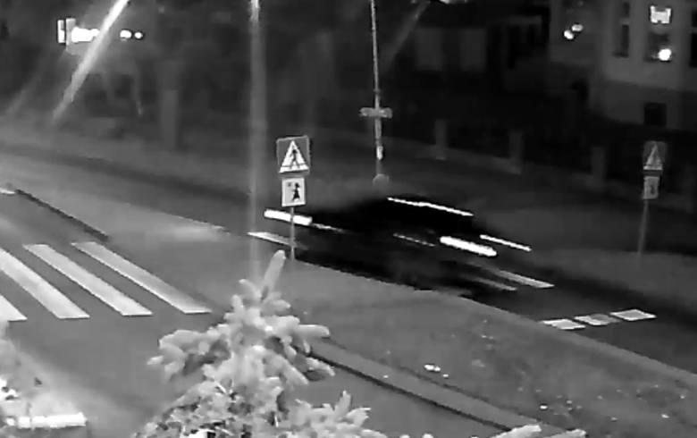 22-letni kierowca potrącił 17-latkę na przejściu dla pieszych w Zielonej Górze i uciekł z miejsca wypadku.