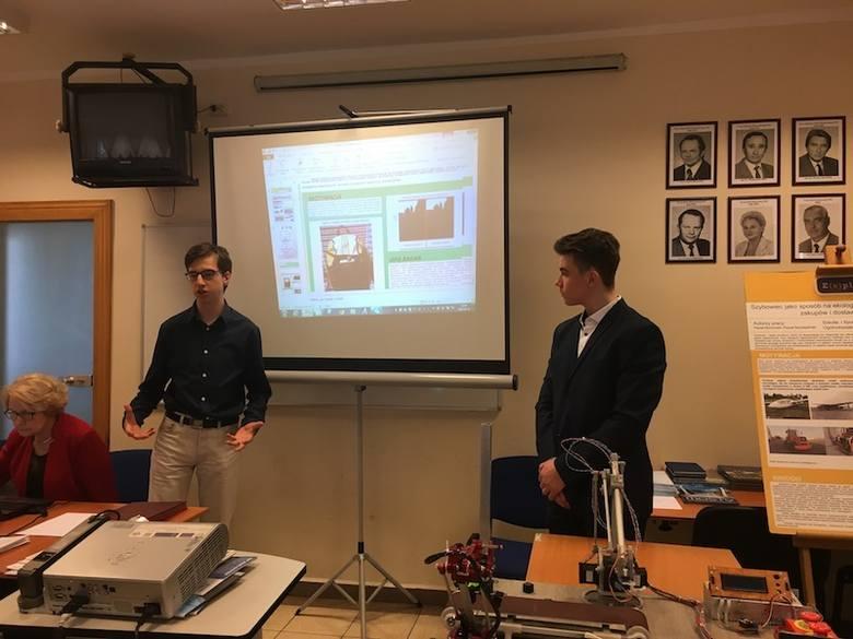 """Projekt pod nazwą """"Bezpieczny, antykebabowy plecak"""" stworzony przez uczniów Medycznego Liceum Ogólnokształcącego przy Zespole Szkół Informatycznych"""