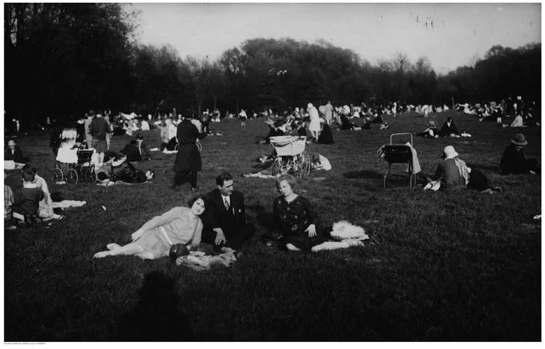 Park Sołacki to jedno z najchętniej odwiedzanych miejsc przez poznaniaków. Powstał na początku XX wieku na dawnych bagnach. Budowa zakończyła się w 1911