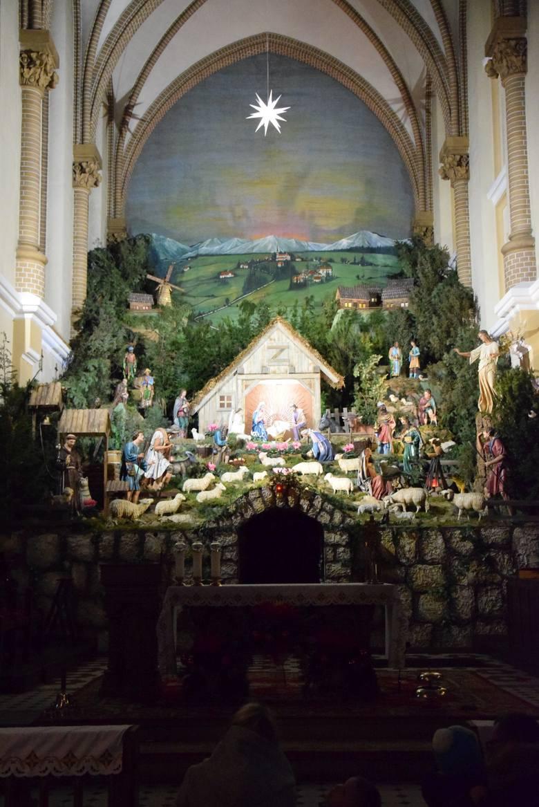 Szopka bożonarodzeniowa w kościele pw. Świętego Franciszka w Borkach Wielkich jest budowana co najmniej od 1911 roku, kiedy do Borek Wielkich przybyli