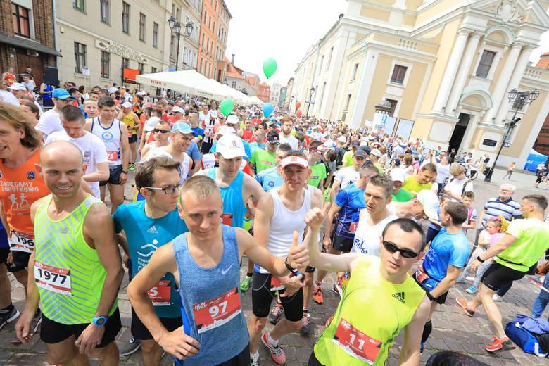 Run Toruń - Zwiedzaj ze Zdrowiem 2018. Fantastyczna impreza, tłumy na starcie. Biegliście?