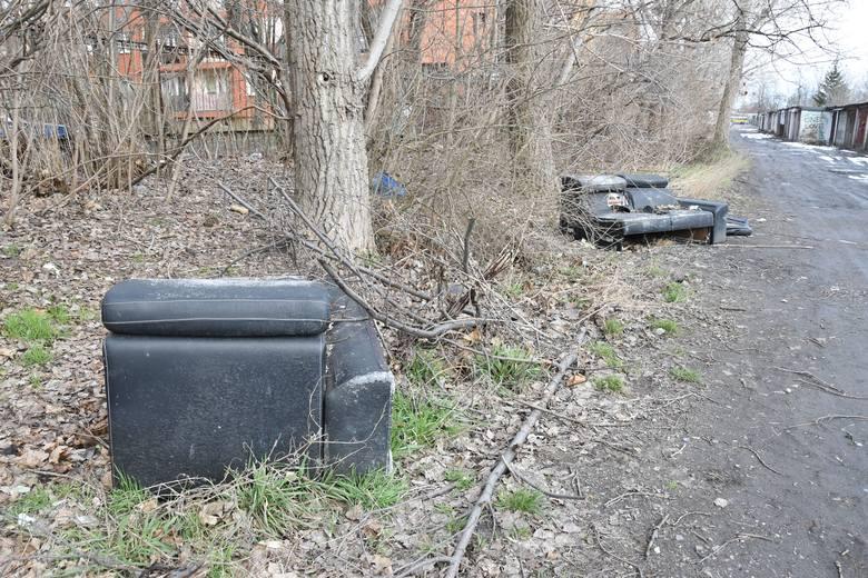 Śmieci w Opolu. Rejon ulicy 1 Maja i kamionki Piast