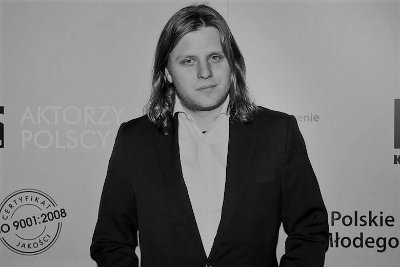 Wypadek na Mazurach. Piotr Woźniak-Starak nie żyje, wypadł z motorówki na jez. Kisajno. Ciało mężczyzny odnaleziono w czwartek [26.08.2019]