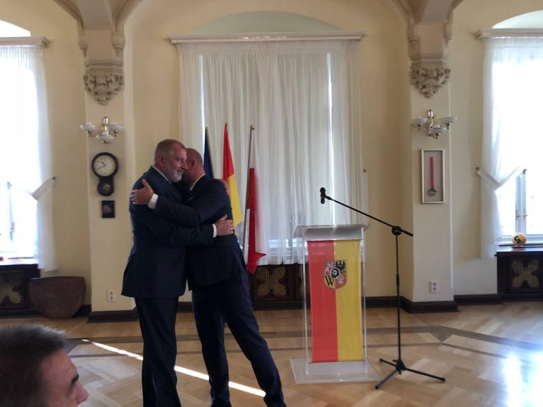 Rafał Dutkiewicz: Wierzę, że Jacek Sutryk będzie lepszym prezydentem niż ja. Sutryk odpowiada: Jesteś historią Wrocławia