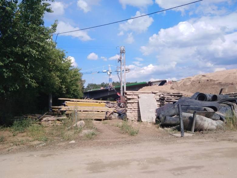Jak idą prace na budowie drogi S5? Tak wygląda fragment budowanej drogi S5 w Tryszczynie koło Bydgoszczy, przy ul. Nad Brdą.