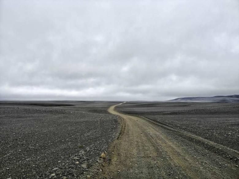 Dzień ósmy: na drodze F26 łączącej północ z południowym zachodem wyspy