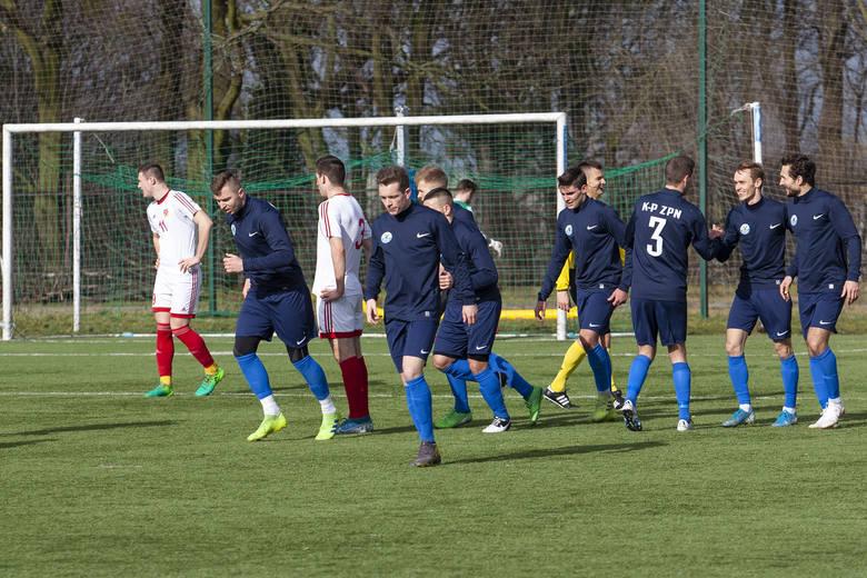 W drugim meczu turnieju Regions Cup rozgrywanego w Bydgoszczy reprezentacja Kujawsko-Pomorskiego ZPN rozgromiła Mazowiecki ZPN 9:0 (7:0). Bramki zdobyli: