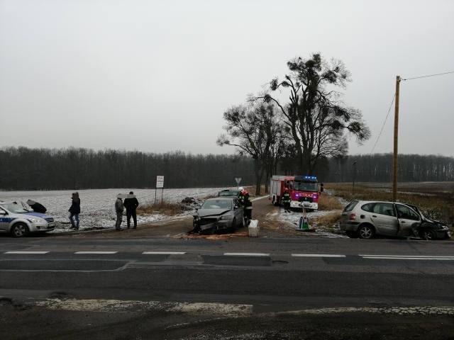 Dziś przed godziną 11 na drodze krajowej nr 15 w Tokarach (gmina Golub-Dobrzyń) zderzyły się dwa samochody osobowe. Na szczęście nikt nie odniósł żadnych