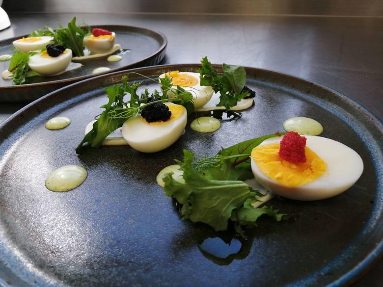 Wielkanocne jajka w nietypowej odsłonie? Oto co poleca szef kuchni Piotr Zagaja [ZDJĘCIA]