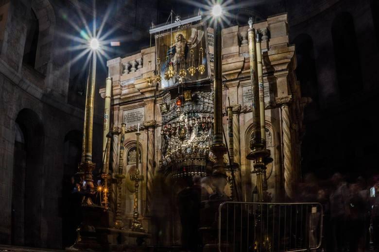 Wielkanoc prawosławna 2020. Wielka Sobota. Zejście Świętego Ognia w Jerozolimie - transmisja online. Cud Ognia na żywo w Grobie Pańskim
