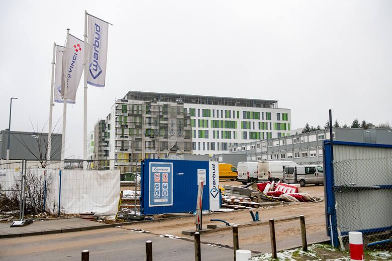 Budowa Wielkopolskiego Centrum Zdrowia Dziecka, które powstaje przy ulicy Wrzoska w Poznaniu – w sąsiedztwie szpitala wojewódzkiego – zakończy się w