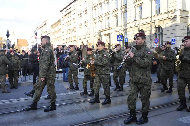 Kraków. Tak kiedyś 11 listopada obchodziliśmy Święto Niepodległości. W tym roku tego zabraknie [ZDJĘCIA]