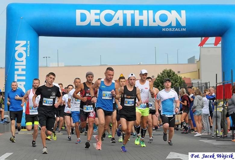 DecaRun Koszalin. Ponad 340 biegaczy na trasie [ZDJĘCIA]