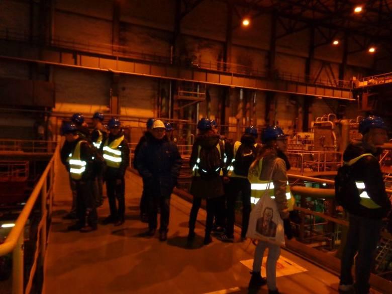Licealiści SLO STO przy Fabrycznej poznają elektrownie i oczyszczalnie od środka (zdjęcia)