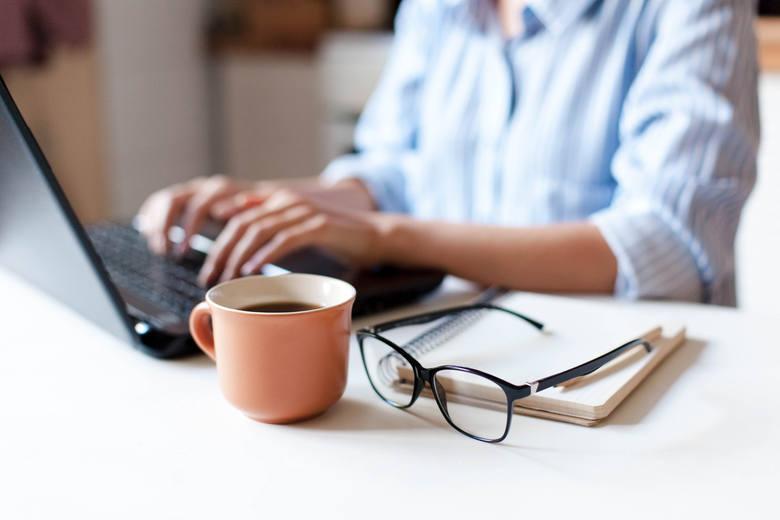 Zodiakalna Waga w pracy: Towarzyskie Wagi lubią pracować w grupie. Dzięki temu mogą oddać się inspirującej dyskusji, dzielić się swoimi pomysłami, ale