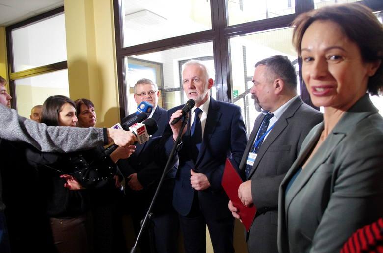 Prezydent Tarnobrzega Dariusz Bożek dziękował przedstawicielom zarządu województwa i wojewodzie podkarpackiemu za wsparcie inwestycji.