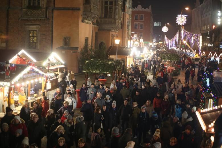 Właśnie ruszył wrocławski Jarmark Bożonarodzeniowy. Oto hity, które co roku cieszą się ogromną popularnością wśród wrocławian i turystów odwiedzających