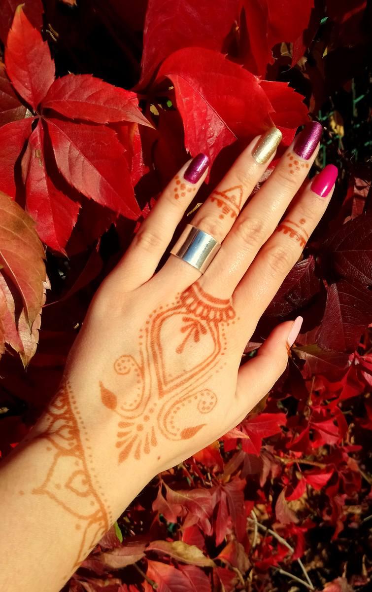 Edyta potrafi henną wymalować prawdziwe dzieła sztuki