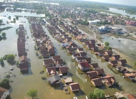Jedzenie, pieluchy, zabawki. Pomóż serbskim powodzianom