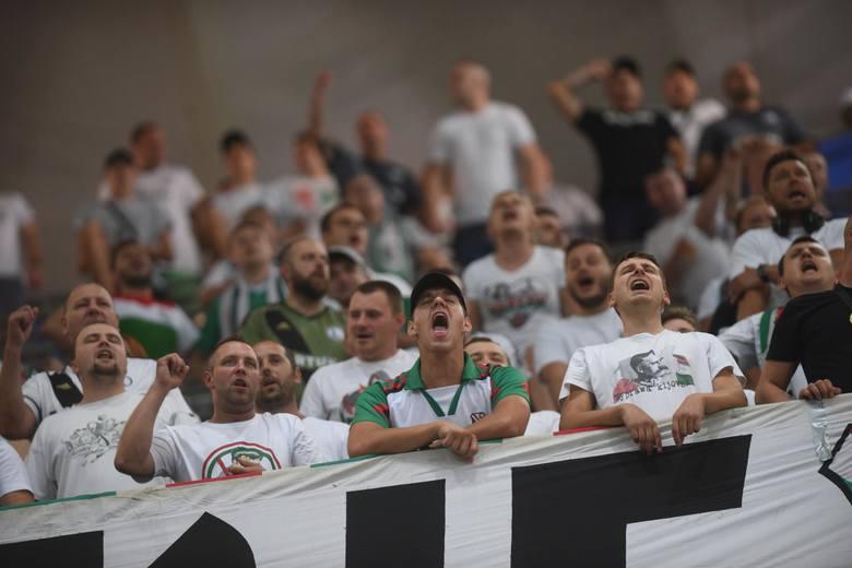 Kibice na meczu Legia Warszawa - KuPS Kuopio w eliminacjach Ligi Europy. Zobacz zdjęcia kibiców, którzy w czwartek 25 lipca dopingowali wicemistrzów