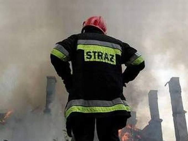 Tragedia w miejscowości Głażewo-Cholewy (gm. Młynarze). Spłonął doszczętnie dom