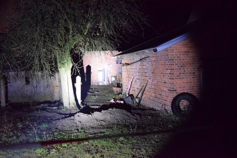 W jednym z domów jednorodzinnych w Ciecierzynie doszło do makabrycznego zabójstwa.