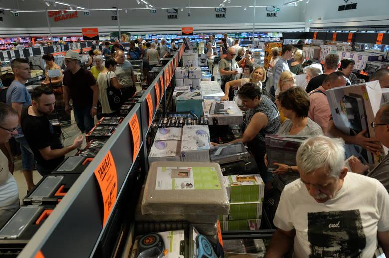 W czwartek, 13 czerwca, punktualnie o godz. 7 otwarty został 5. sklep sieci Lidl. Tym razem powstał w Sosnowcu Zagórzu przy Rondzie Jana Pawła II.