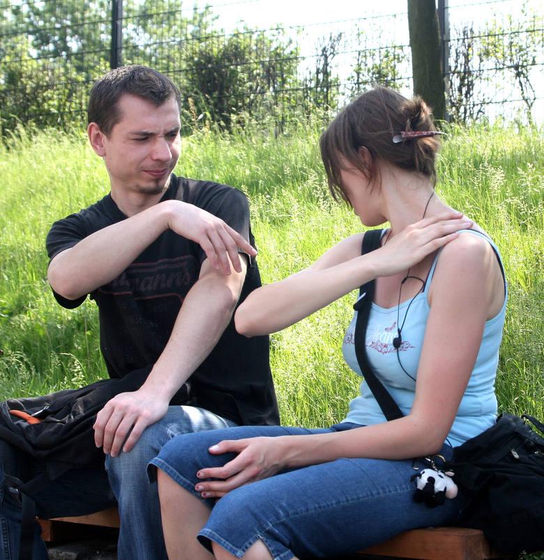 Komary w Toruniu od kilku dni dają się mocno we znaki mieszkańcom. W miejskim parku na Bydgoskim Przedmieściu są ich roje, atakują nawet w dzień. Problem
