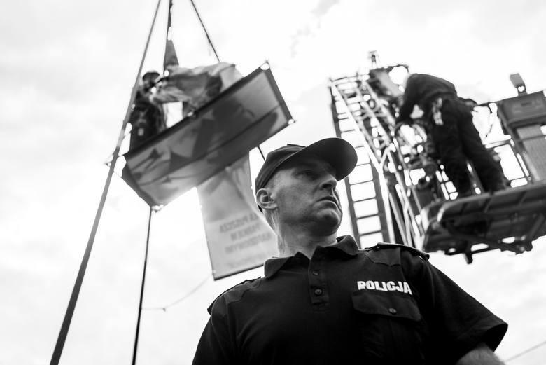 We wtorek rano ekolodzy znów zablokowali ciężki sprzęt używany do wycinania drzew w Puszczy Białowieskiej.