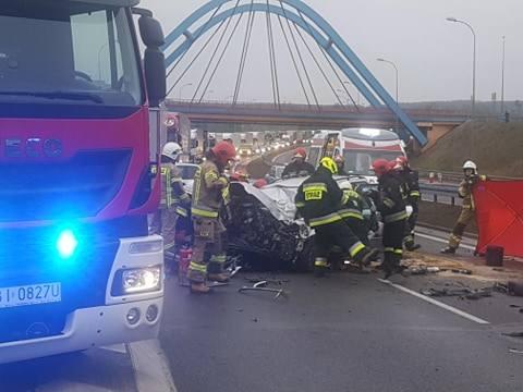 Jurowce. Wypadek śmiertelny na DK 8. Kierowca audi wjechał w cysternę. Mężczyzna zginął na miejscu [ZDJĘCIA]
