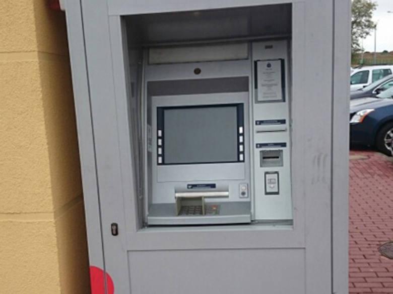 We wtorek, w Ustroniu Morskim, ktoś próbował wysadzić w powietrze bankomat znajdujący się tuż przy centrum sportu i rekreacji Helios. By dobrać się do