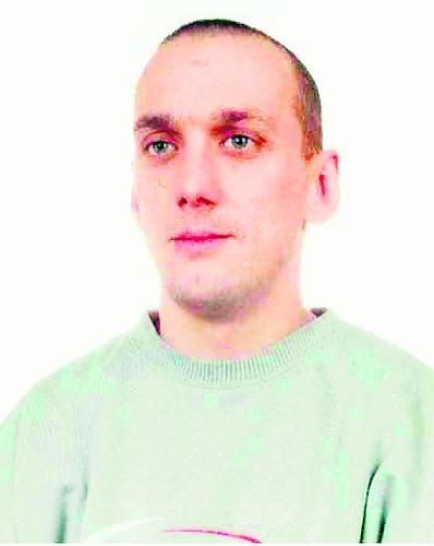 Brozdowski Krystian, syn Bogdana i Ewy z domu Bielska. Urodzony 9 XII 1978 r. w Lęborku. Bez stałego miejsca zamieszkania. Poszukiwany na podstawie listu