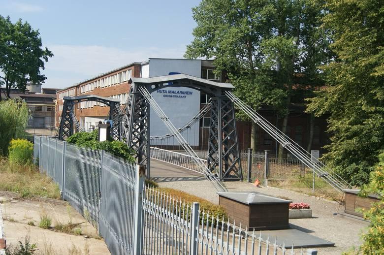 """Obiekty dawnej Huty """"Małapanew"""" w Ozimku, miejsce jednego z największych strajków we wrześniu 1980 r."""