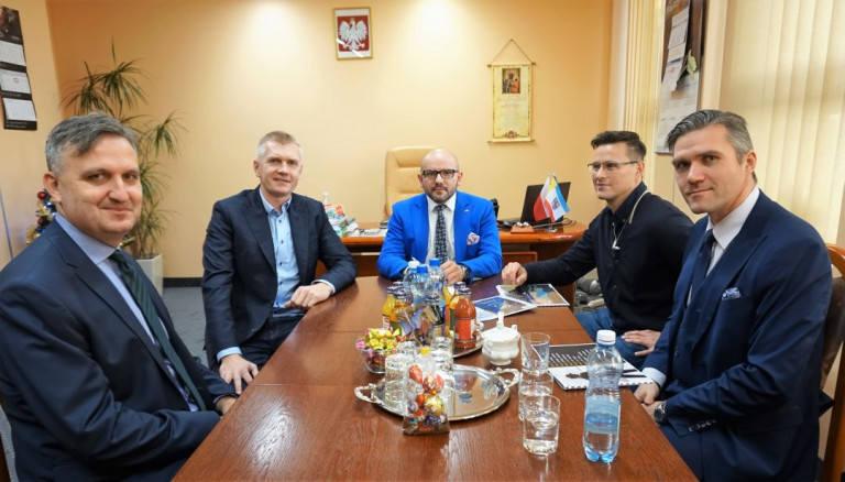 Spotkanie w Urzędzie Marszałkowskim. O prawej: Wojciech Prokopowicz, Piotr Głogowski, Mariusz Gosek, Paweł Zagumny i Jacek Kowalczyk