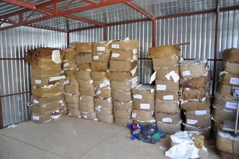 CBŚP i kontorla skarbowa urządziły nalot na nielegalne fabryki tytoniu (zdjęcia, wideo)