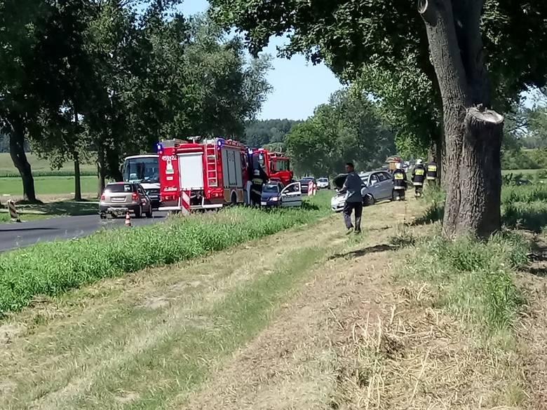 W sobotę, około godz. 13, na drodze krajowej nr 65 relacji Knyszyn - Mońki doszło do wypadku.