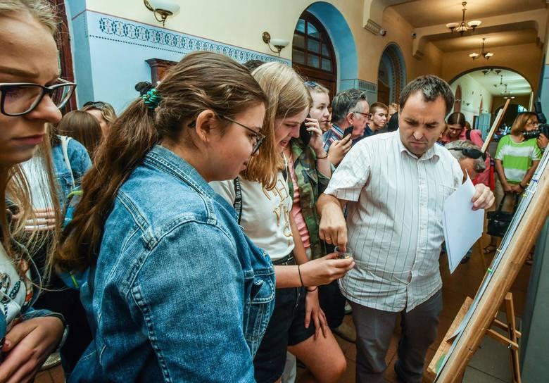 W czwartek (11 lipca) ogłoszone zostały listy zakwalifikowanych i niezakwalifikowanych do szkół średnich. W Bydgoszczy 520 kandydatów nie dostało się