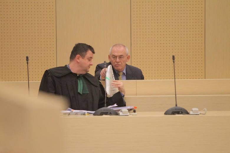 W poznańskim sądzie, w kontekście sprawy Ziętary, trwa również proces Aleksandra Gawronika. Jest oskarżony o podżeganie do zabójstwa Ziętary podczas narady w firmie Elektromis w 1992 roku. Gawronik nie przyznaje się do winy.