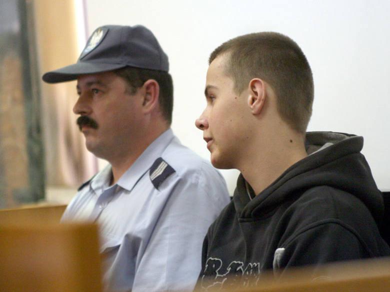 Oskarzeni o zabicie Konrada z Tarnobrzega16-letni Kamil Wolan, najmlodszy z napastników.