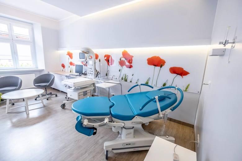 Szpital Polna to jeden z najnowocześniejszych w kraju ośrodków wysokospecjalistycznej opieki medycznej w zakresie położnictwa, ginekologii i neonatologii. Placówka dysponuje największą w stolicy Wielkopolski liczbą łóżek położniczo-ginekologiczych i noworodkowych. [b]Zobacz, jakie warunki dla mam...