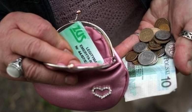 Rząd zakładał, że wskaźnik wyniesie 103,26 proc. Rząd zakładając w ustawie budżetowej wskaźnik waloryzacji 103,26 szacował wyższą inflację (2,6 proc.),
