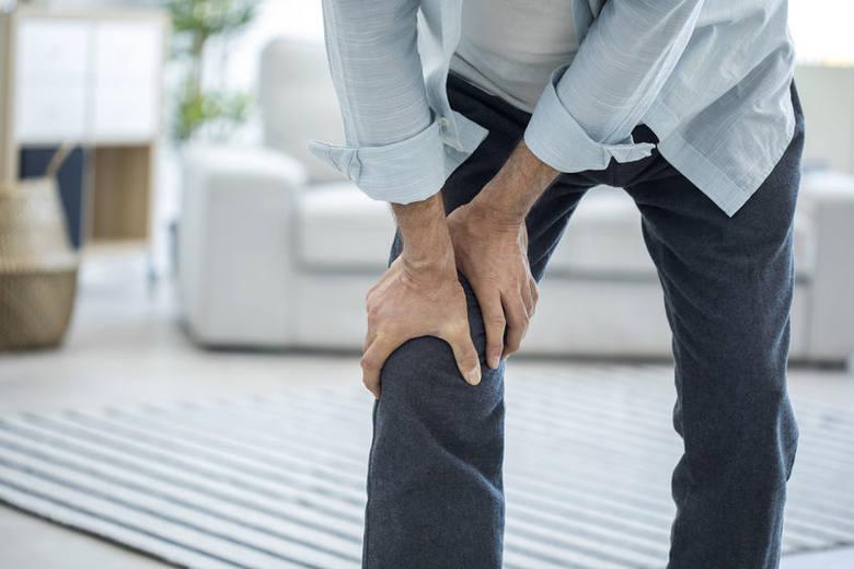 """Ta podstępna choroba nazywa jest czasami """"cichym złodziejem kości"""", ponieważ prowadzi do ubytku i obniżenia jakości masy kostnej, nie dając jednocześnie"""