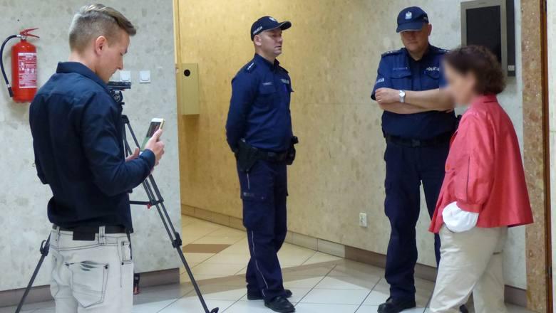Po ugodzeniu nożem policjanta w Busku. Dantejskie sceny w sądzie [WIDEO, ZDJĘCIA]